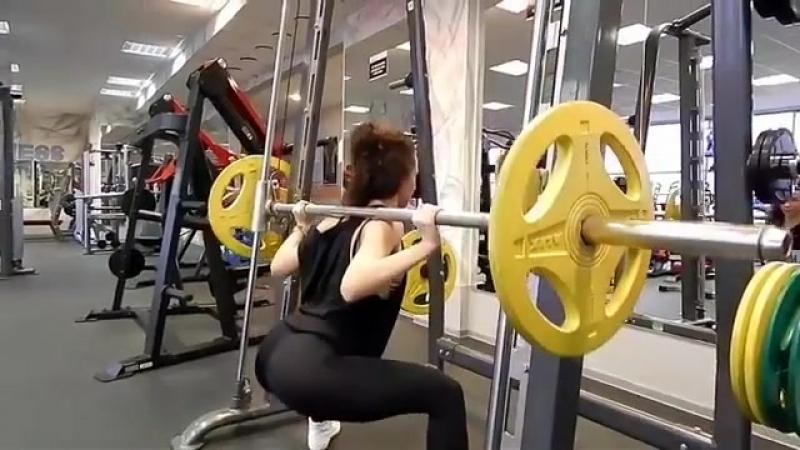 Мотивационное видео от фитнес-тренера Sky Fitness Ксении Сухановой