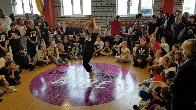 DeFunkyFunky battle. Hip-Hop begginers preselection. Dance Team Just Do It. Vesna