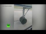Видео из салона самолёта Ан-24, который совершил посадку с повреждённым шасси в аэропорту Якутска
