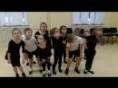 По мнению группы Фиксики капельки воды ведут себя именно так) Современный танец Педагог Макарова Евгения Владимировна