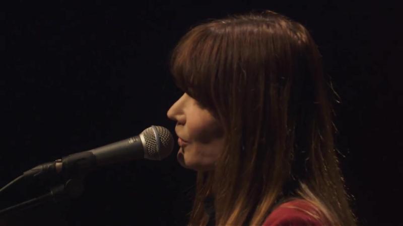 Carla Bruni - Quelqu'un ma dit