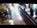 Девушка насрала в Кафе