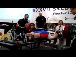 Александр Белов жмет 185 кг