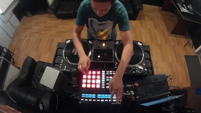 DJ Shinin Star - Red Bull Thre3style from Russia with love