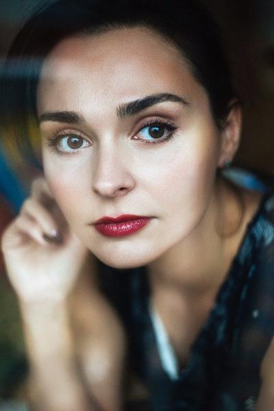 Лиза Костенко