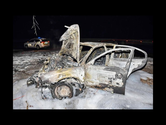 Под Киевом Skoda протаранила Mazda: Octavia сгорела дотла, а пассажир Xedos в реанимации