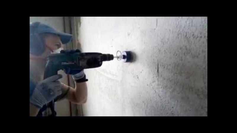 Высверливание ниш для подрозетников в бетоне