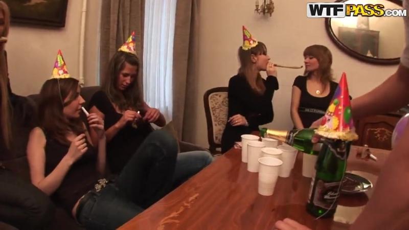 Русские студенты устроили невероятную оргию 3