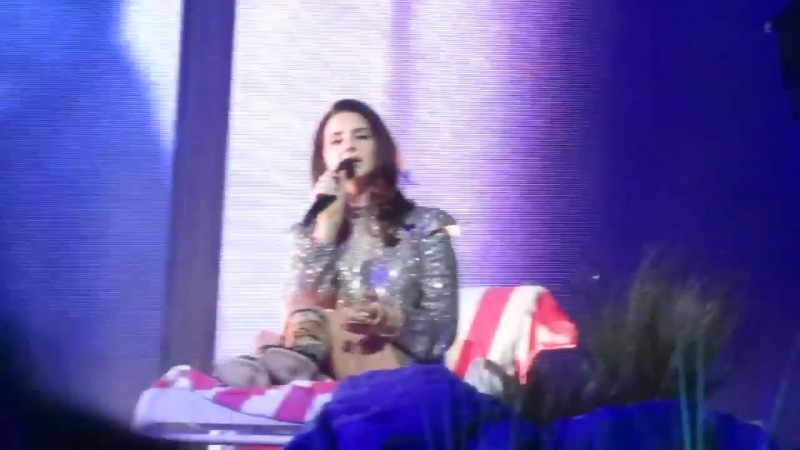 Lana Del Rey – When The World Was At War We Kept Dancing (Live @ «LA To The Moon Tour»: «Mandalay Bay Events Center»)