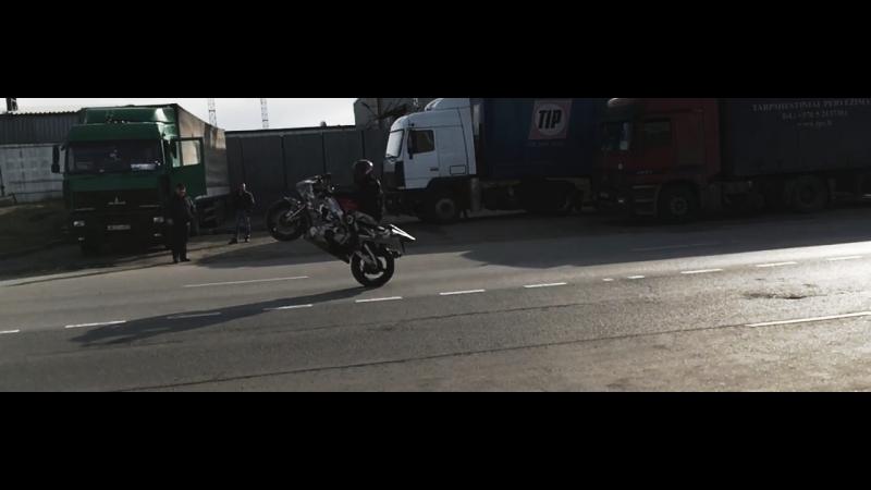 Maxim Kemerov Wheelie on Yamaha R1 смотреть онлайн без регистрации