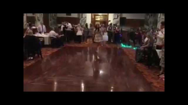 Irish Dancers KICKIN' it up at a Wedding! | Ирландские танцы