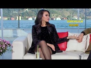 Tuvana Türkay - Şeffaf Oda - Siyah Çorap Sevenler İçin Bacak Show Yapıyor!! 25/02/2018