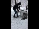 Игра в снежки в конце марта)