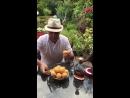 Как нужно кушать армянский персик 😃