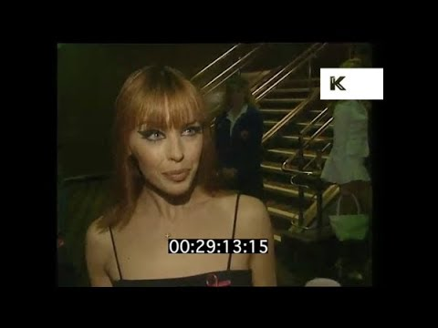 1995 Danni and Kylie Minogue at Muriel's Wedding Film Premiere | Kinolibrary