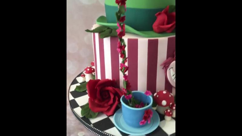 Торты в Сочи. 89384955858. Торт Алиса в Стране чудес. Cake