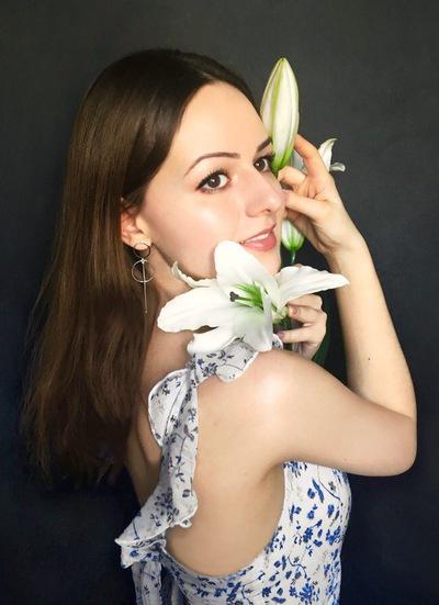 Анна Табак