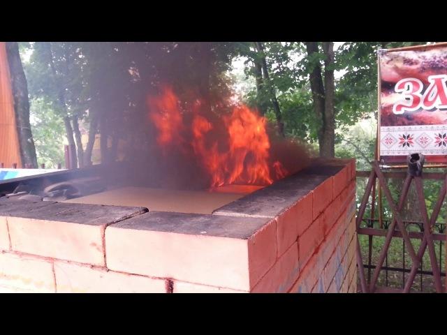 Обжиг чернодымленной керамики в горне прямого огня