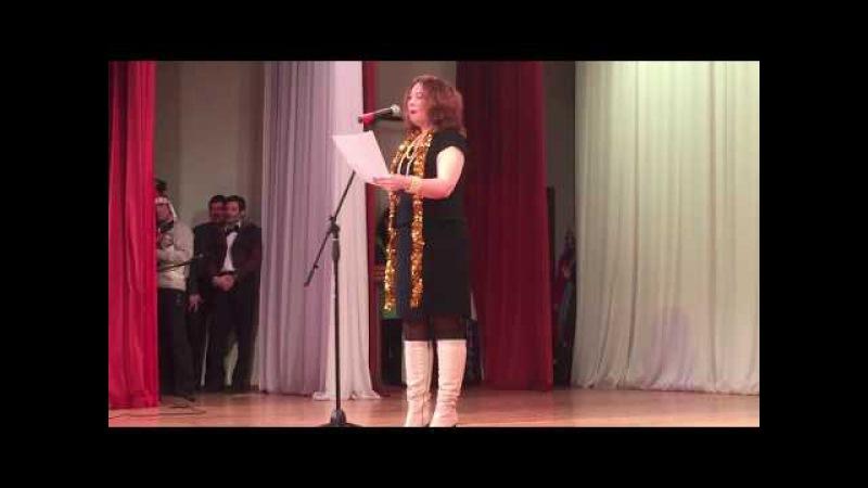 Стихотворение Между читает поэтесса Дарья Петрова