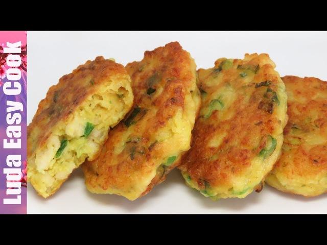 Вкусный ЗАВТРАК куриные ОЛАДЬИ с зеленым луком и соусом. ВСЕ ПРОСЯТ ЕЩЕ! | CHICKEN PANCAKES RECIPE