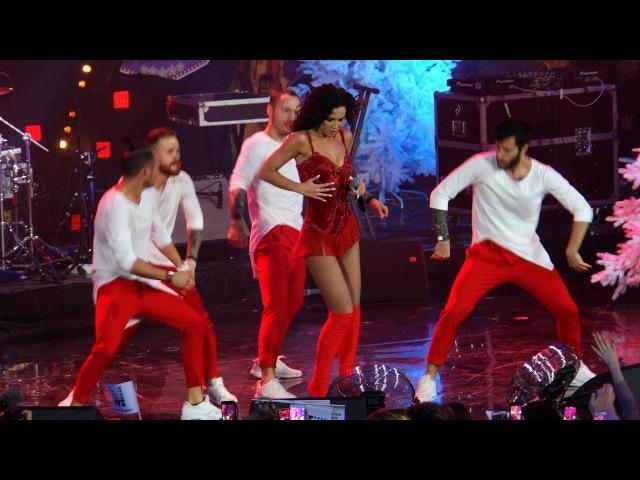 Ольга Бузова - Хит парад - live - партийная зона Муз ТВ 10 декабря 2017