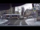 Cum troleibuzul de pe linia 22 a lovit un Audi: Momentul impactului, surprins de o cameră de bord