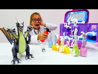 Sema'nın kliğinde YANGIN VAR! Oyuncak Ejderha ile #doktoroyunları. Kız ve erkek #çocukvideoları