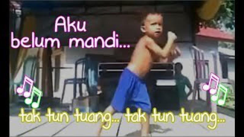 ♫♫ Aku Belum Mandi... Tak Tun Tuang (Upiak) ♫♫ LAGU MINANG JAMAN NOW TRENDING
