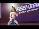 Умничка малышка ОЧЕНЬ КРУТО ТАНЦУЕТ LITTLE GIRL VERY COOL DANCING
