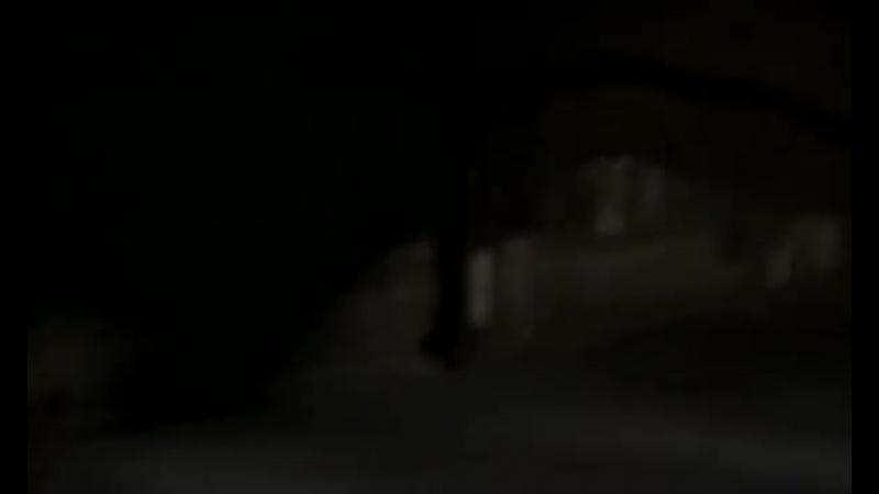 1x02 Master of Horror-Tras Las Paredes