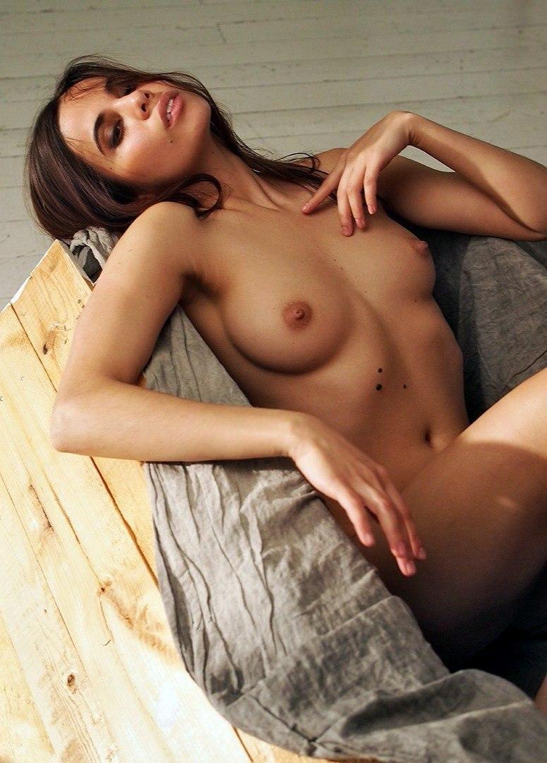 Free nude pics shannyn sossamon