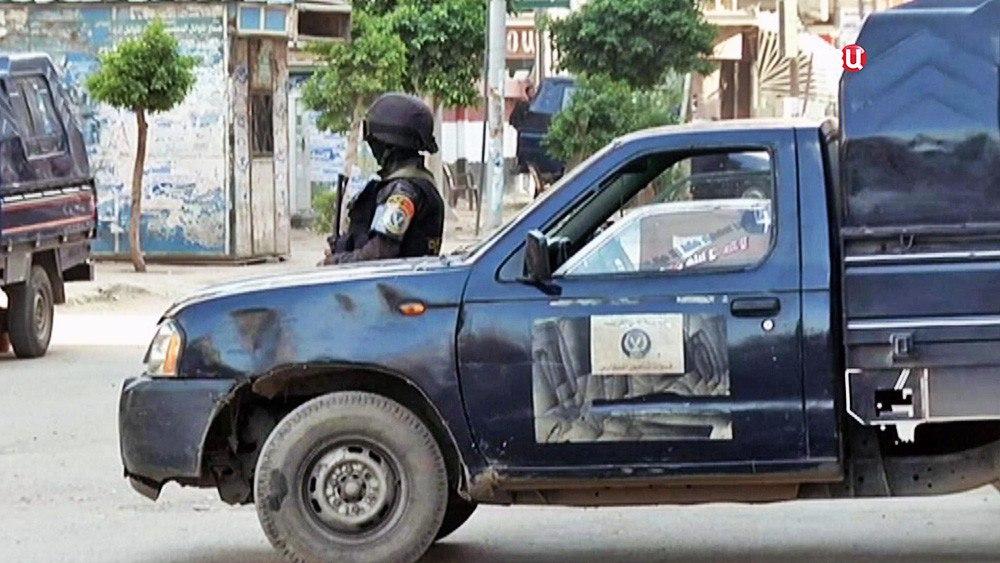 полицейский конвой в Египте