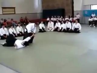 Айкидо обучает защите от нападения с ножом 🔪