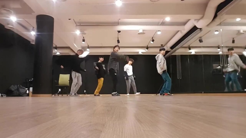 180116 Green team (B-Joo) You're Mine dance practice on 'The Unit' Facebook
