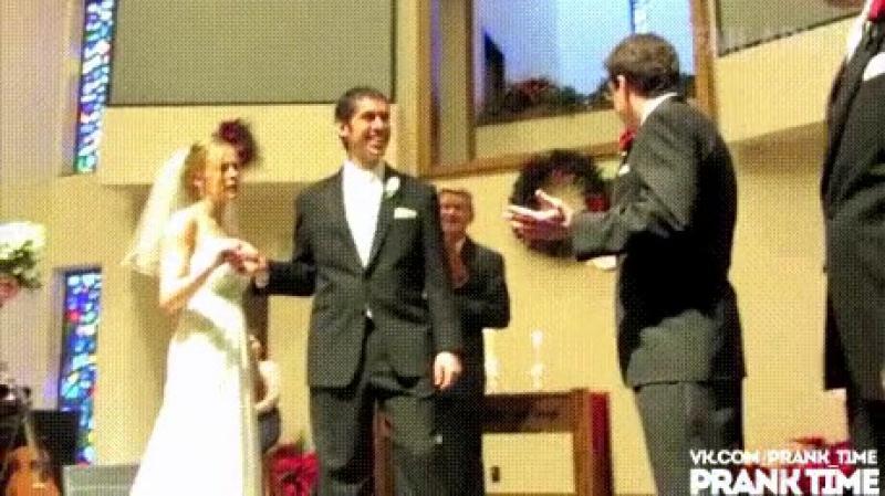 Розыгрыш на свадьбе. Друзья разыграли жениха
