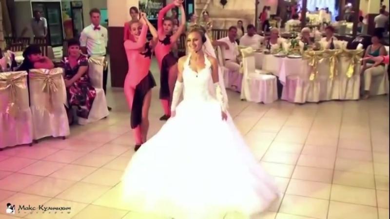 Невеста поёт песню подарок растрогал жениха до слез 1