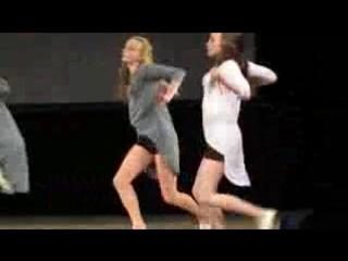 божественный танец девушек под песню кукушка ( 180 X 320 ).3gp