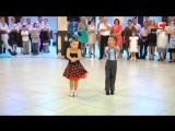Видео, покорившее весь мир! Зажигательный танец юных танцоров.