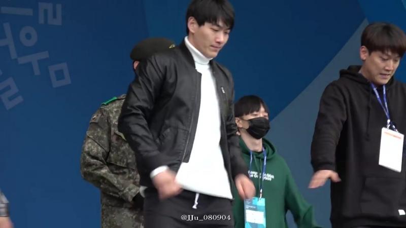 [Фанкам] 180219 Фокус на Тэкёна @ 2018 PyeongChang Winter Olympic Headliner Show - Rehearsal
