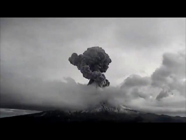 Algo entra al Popocatepetl en erupción 30 enero 18