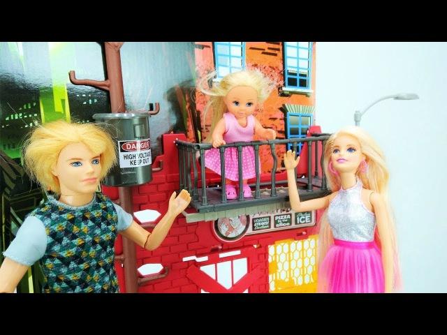Barbie, Ken Barbie Baby Doll. Play Barbie Morning Routine Spa salon. Barbie dolls on playground
