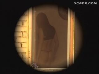 Катерина Шпица в черном белье – Адам и превращение Евы (2004)