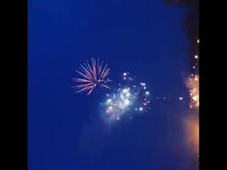 Таким шикарным фейерверком мы завершили этот мега праздник в честь открытия ТЦ