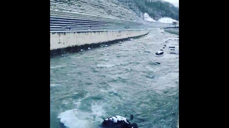 Река Мзымта. Набережная Времена Года