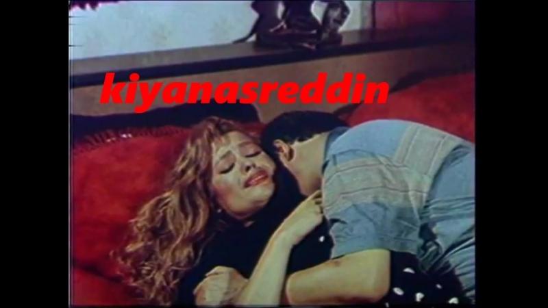 Türk filminde Meral Zeren'i zorla götürmek-iki kez kaçıyor yine yatağa atıyor full versiyon -tecavüz ripe scene in turk movie