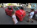 Дети и машины спасаем краба МанкиТайм в Таиланде
