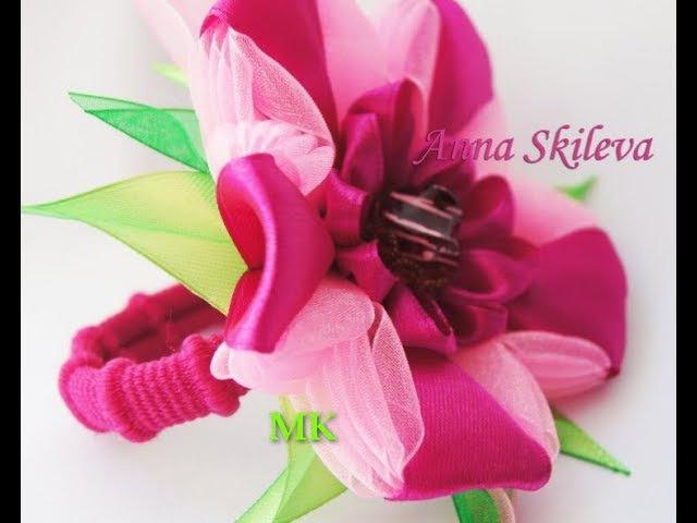 Цветок Канзаши из узкой ленты . Kanzashi flower of the narrow ribbon .