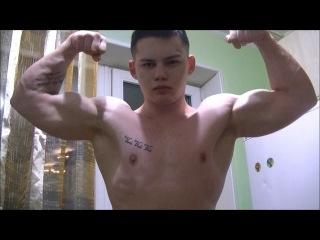 Aesthetic Teen Bodybuilder Mr Leon Flexes His Lean Muscles