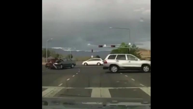 Страшная авария с мотоциклистом.
