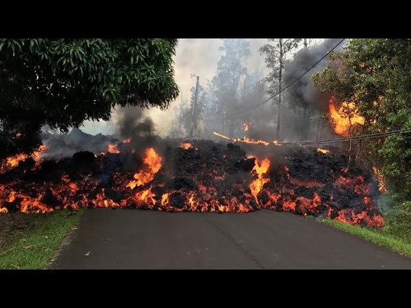 Lava continues to swallow up homes in Hawaii смотреть онлайн без регистрации